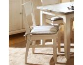 Holzstuhl aus weißem Kieferholz